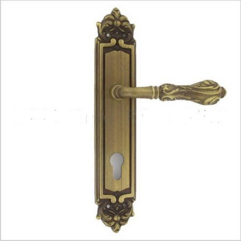 Дверная ручка ARCADIA CYL на планке купить по наилучшей цене в Москве