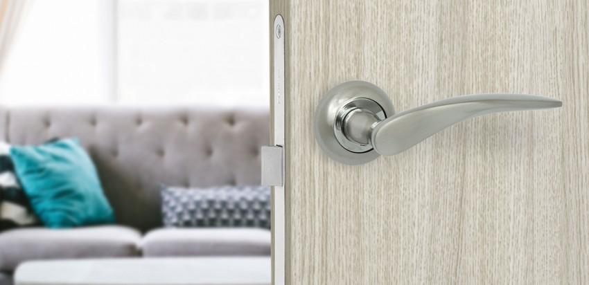 Как выбрать дверную межкомнатную ручку с защелкой