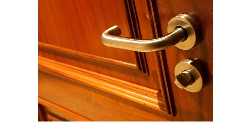 Ремонт дверных ручек межкомнатных дверей: порядок действий