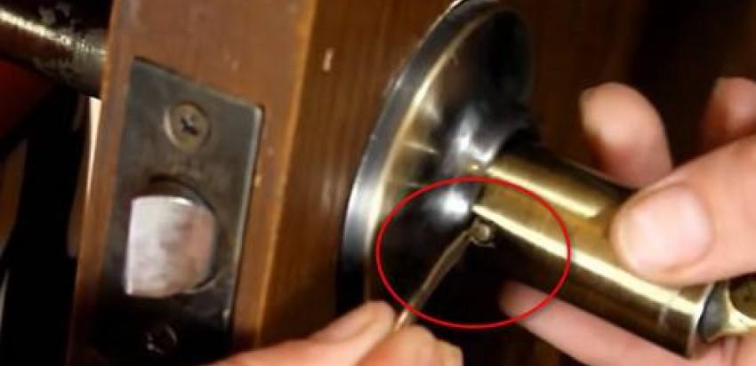 Как удалить замок дверной ручки. Рассказываем подробно