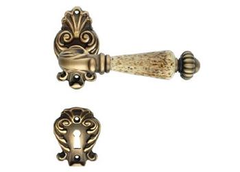 Декоративная дверная ручка с керамикой и накладкой